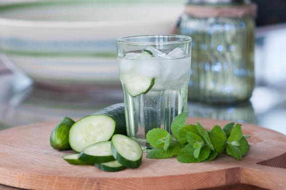 Wild Mint & Cucumber Fizz